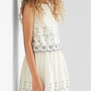 Gap girls embroidered eyelet gray and white set.